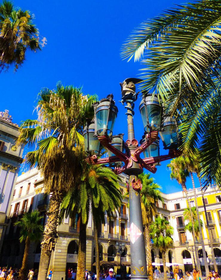 Barcelona's Plaza Real