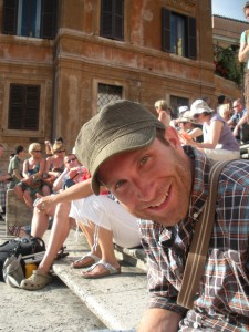 A relaxing Tom on the Spanish Steps