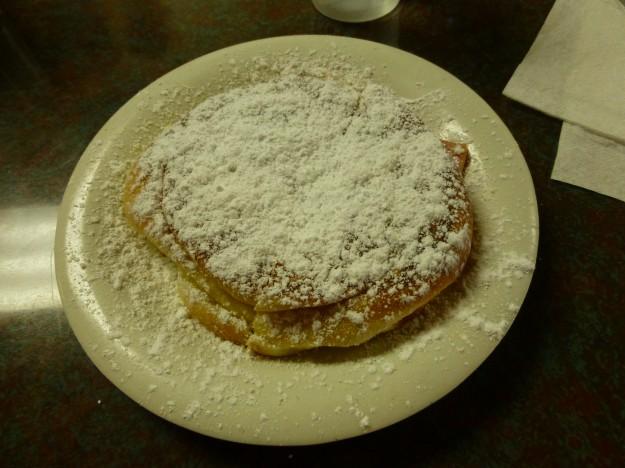 Cafeteria Mallorca, San Juan: A Mallorca is an ode to powdered sugar.