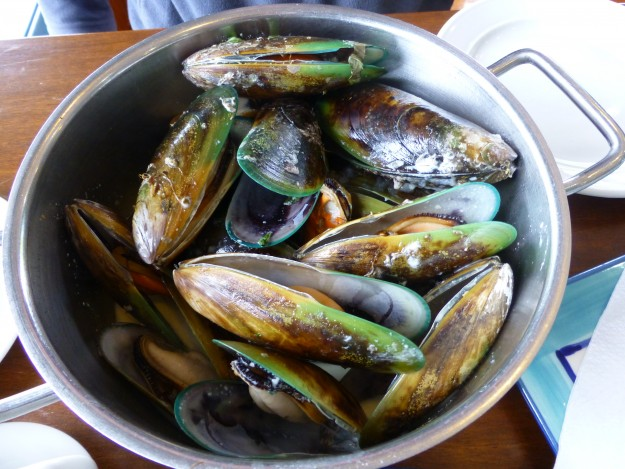Green lipped mussels steamed in a garlic herb sauce.