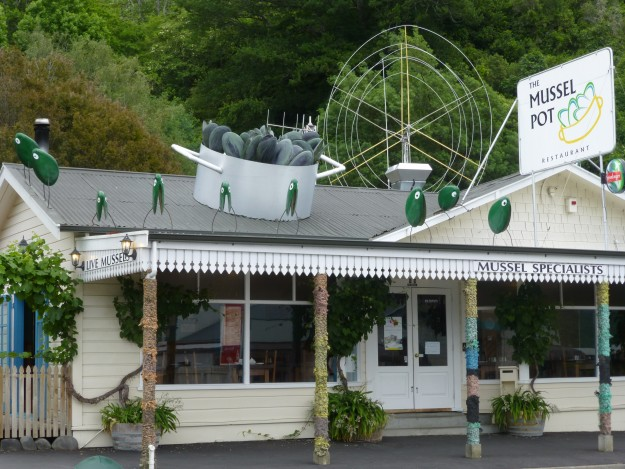 The Mussel Pot in Havelock, New Zealand serving up green lipped mussel.