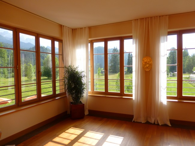 Schloss Elmau: Picture doing Yoga here....