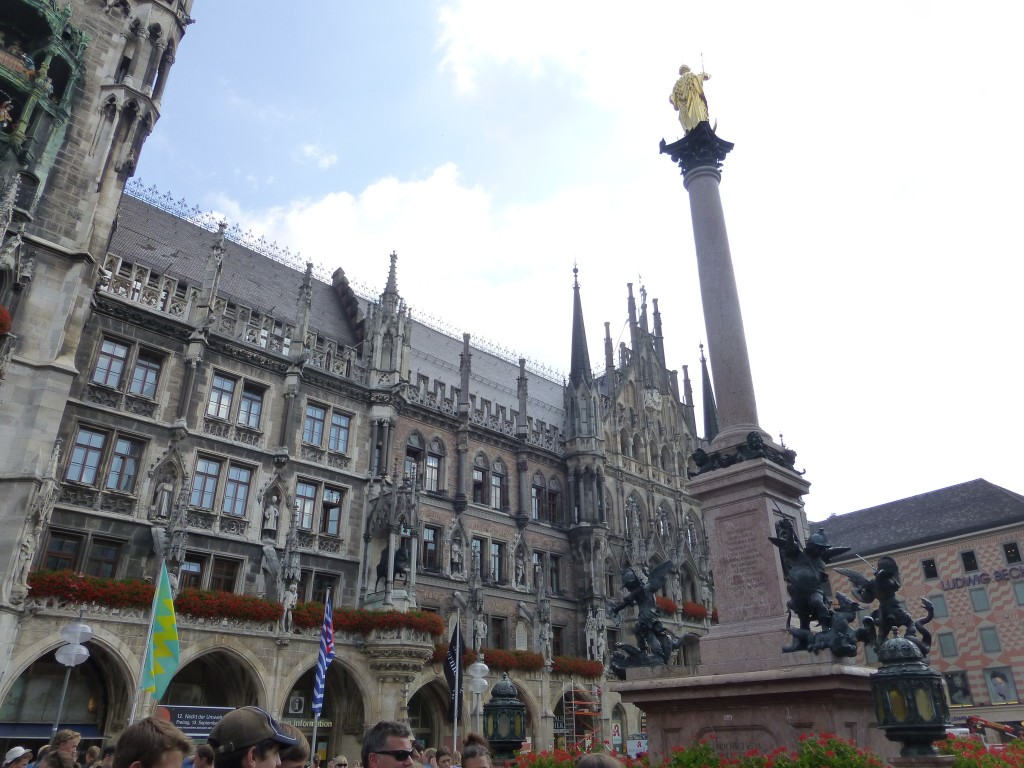 Don't miss Marienplatz Square with One Day in Munich