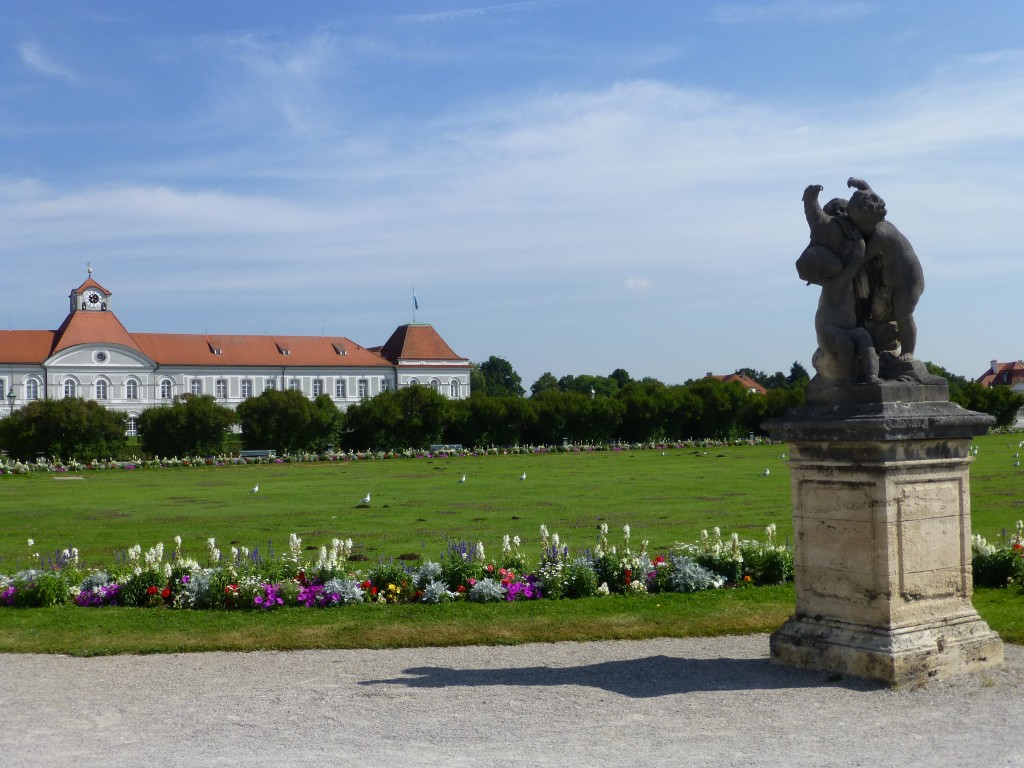 Schloss Nymphenburg is one of the places to visit in Munich in 1 day that you cannot miss seeing.