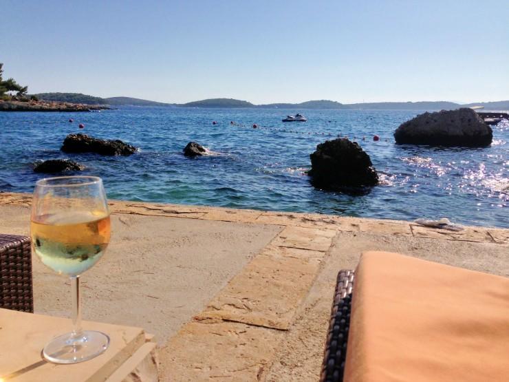 Podstine Hotel: Seaside property in Hvar.