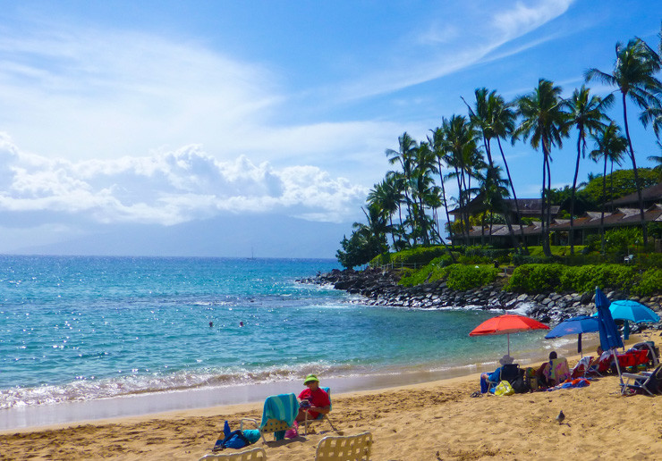 That gorgeous Maui water is just begging you and your belly to take a dip.