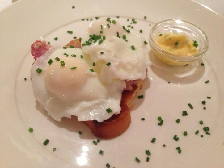 My a la carte eggs benedict - the eggs were fresh and so tasty.