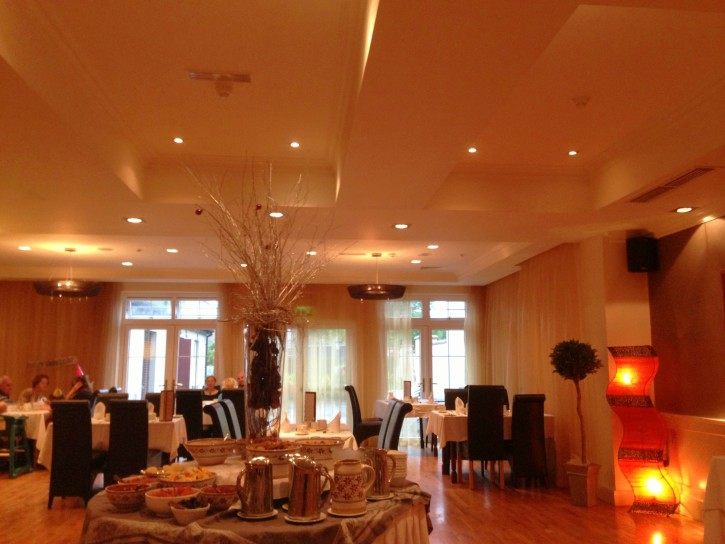 The lovely breakfast room at Brook Lane Hotel in Kenmare.