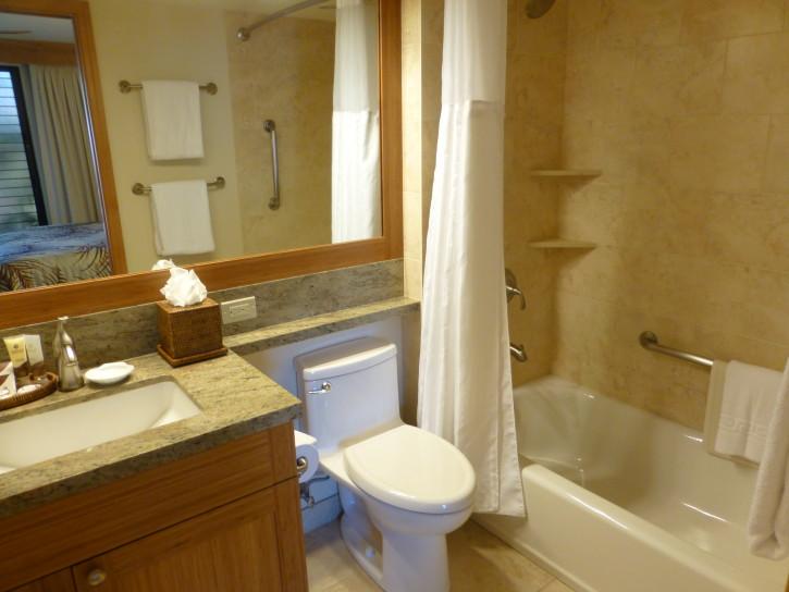 Suite Bathroom at Napili Kai