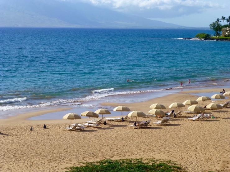 The Relaxing Beach In Front Of Four Seasons