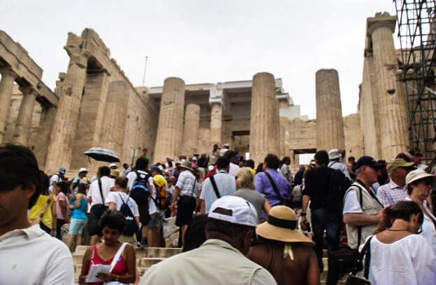 Crowded Line: This is what you want to try and avoid while at the Acropolis.