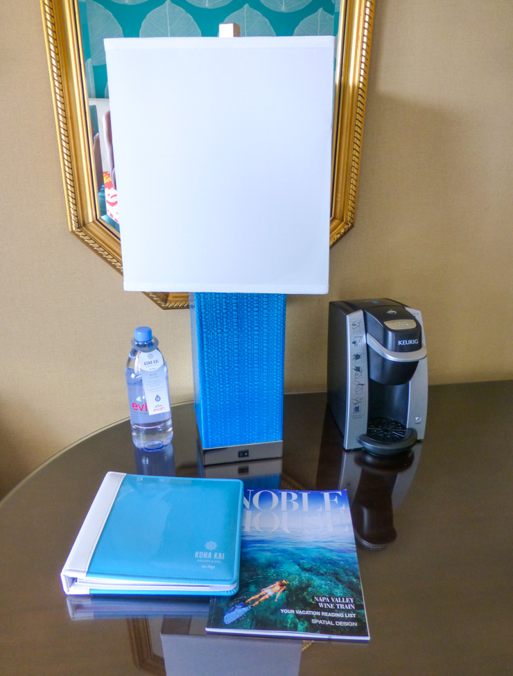 Hotel room amenities in Shelter Island California