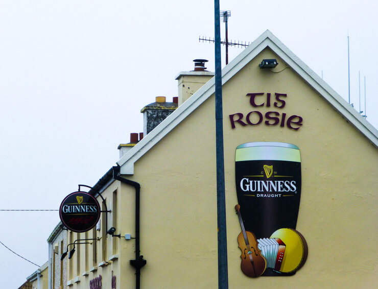 Tig Rosie: my favorite pub along the Ring of Kerry