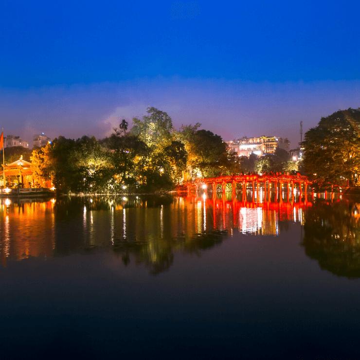 Nighttime view of Hoan Kiem Lake