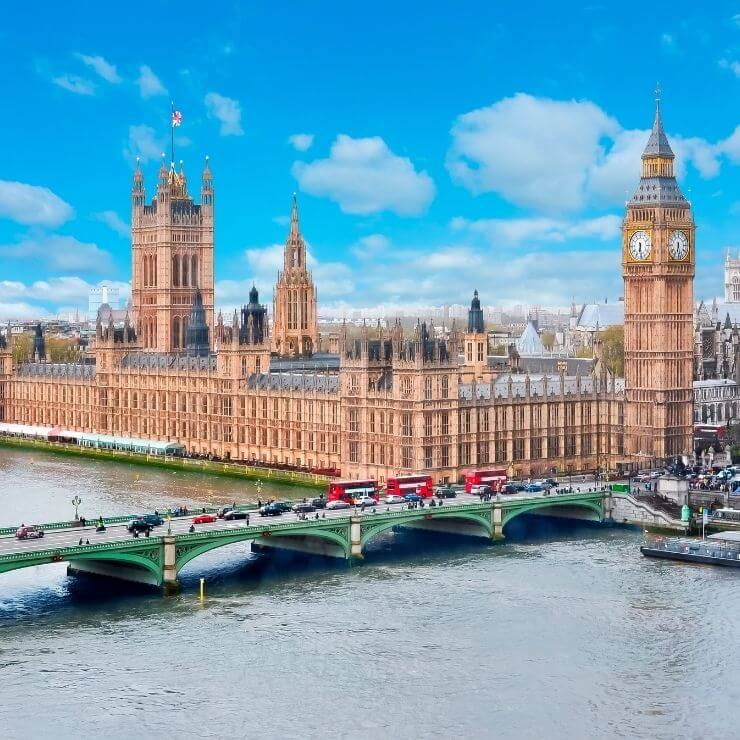 Iconic View of London: Big Ben and Parliament - two things that you can't miss seeing even if you only have one day in London.