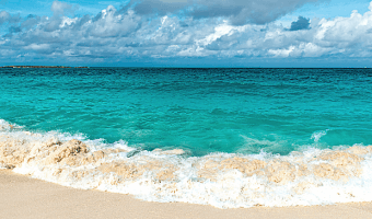The best beaches in Nassau to visit whether you're visiting Nassau by cruise or plane!